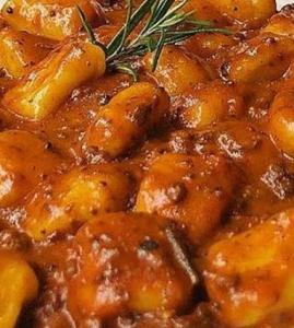 Gnocchi a la boloñesa